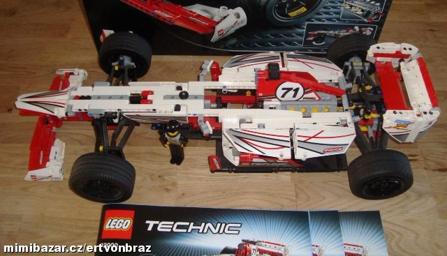 lego technic 42000 formule f1 grand prix. Black Bedroom Furniture Sets. Home Design Ideas
