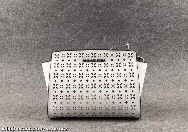 Prodám - Michael Kors Selma mini Perforated White 56b3a39f9b6