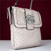 GUESS kabelka crossbody attraction stone nr.35