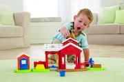 Fisher Price little people Stáj pro koně