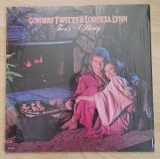 LP deska C.Twitty & Loretta Lynn - Two´s A Party