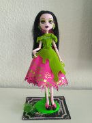 Draculaura, MONSTER HIGH