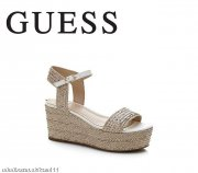 Super sandalky GUESS !!! PC 125 eur