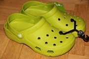 CROCS COAST  volt green
