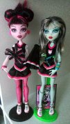 MONSTER HIGH jen Draculaura