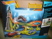 Hot wheels - mutant machines city attack